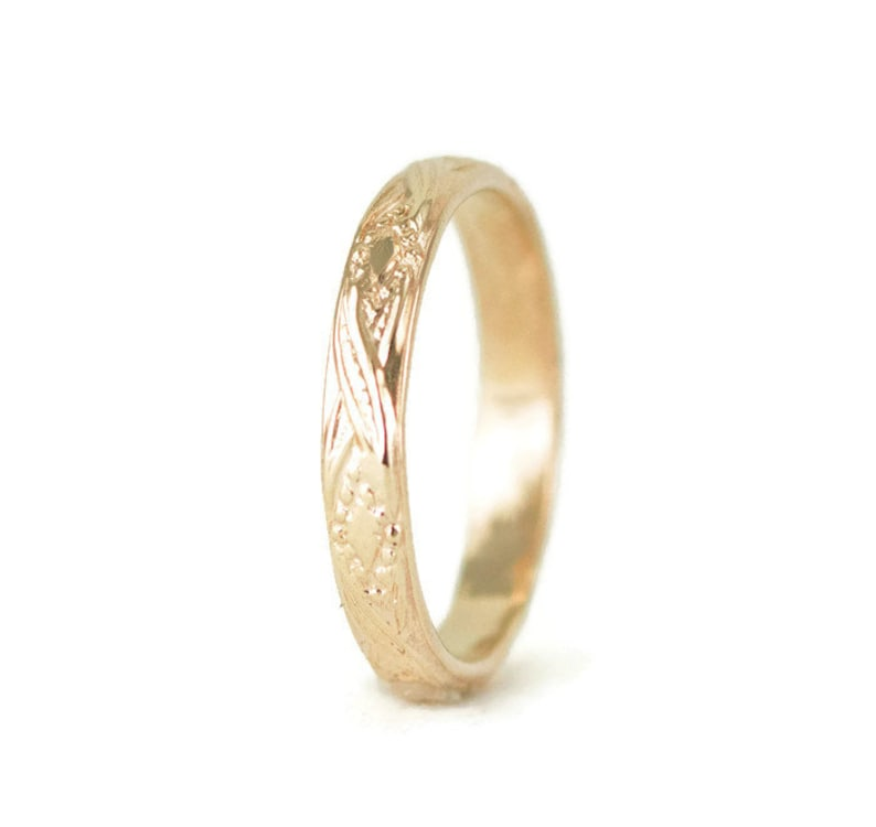 14k Gold Wedding Ring  Vintage Style 3.5mm Wide Band  Solid image 0
