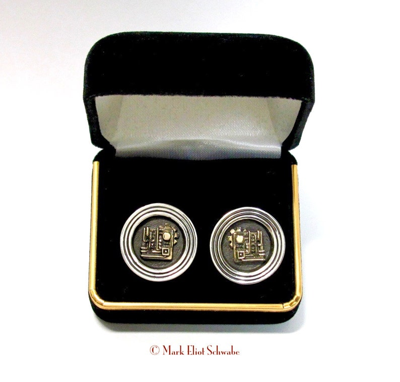 Age of Industry cuff links blend the bold simplicity of Art image 0