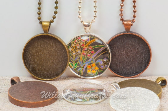 30mm circle pendant trays key chains with glass domes in your choice of color