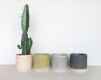 Medium Round Planter - Herringbone- Made to Order