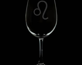 Leo 13 Ounce Personalized Wine Glass