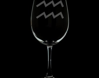 Aquarius 12 Ounce Wine Glass