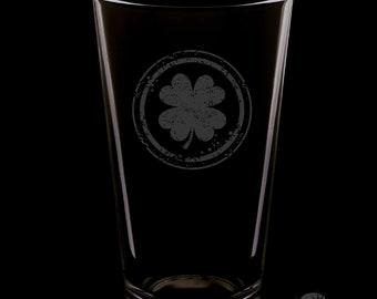 Irish Clover 16 Ounce Pint Glass