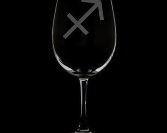 Sagittarius 12 Ounce Wine Glass