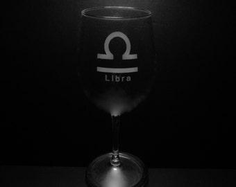 Libra Symbol 13 Ounce Wine Glass