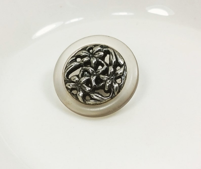 20.5mm 1316 Ornate Pewter Look Shank Back Metal Flower Filigree Button inset in Clear Resin
