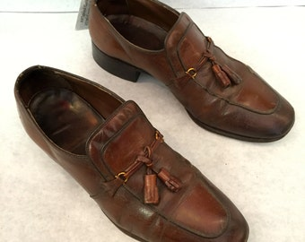 1ba5686983f Vintage Loafers Mens Loafers Chestnut Brown Loafers Tassels Size 7.5 Wide  Leather Dress Shoes Mens Slip Ons Leather Loafers Brown Slip Ons