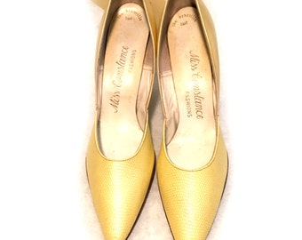 Classic Vintage YELLOW textured LEATHER Womens high heel Size 6