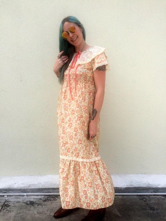 Vintage Dress 1970s Dress Floral Dress White Dress