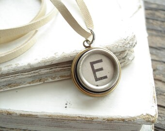 Typewriter Key Jewelry. Letter E Necklace. Vintage Typewriter Key Necklace. Personalized Initial. Adjustable Leather Necklace. Unisex Gift.