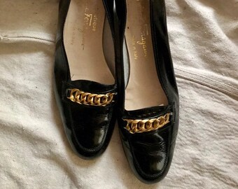 ea2dd05e8b7 Ferragamo Patent Leather Loafers - 1980s vintage shoes - black and gold -  gold chain embellished loafers - size 8 AA - ttoppobella