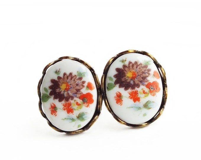 Victorian Flower Stud Earrings Vintage Floral Cameo Studs Hypoallergenic Earrings Victorian Cameo Floral Jewelry