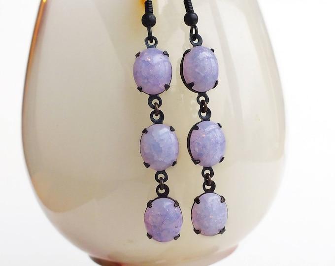 Light Purple Crackle Glass Earrings Vintage Opalescent Purple Stone Dangle Earrings Pastel Lavender Purple Jewelry