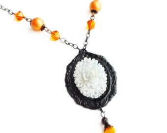 White Rose Cameo Necklace Vintage Flower Pendant Necklace Victorian Rose White Orange Floral Jewelry Vintage Style Wedding Bridal Necklace
