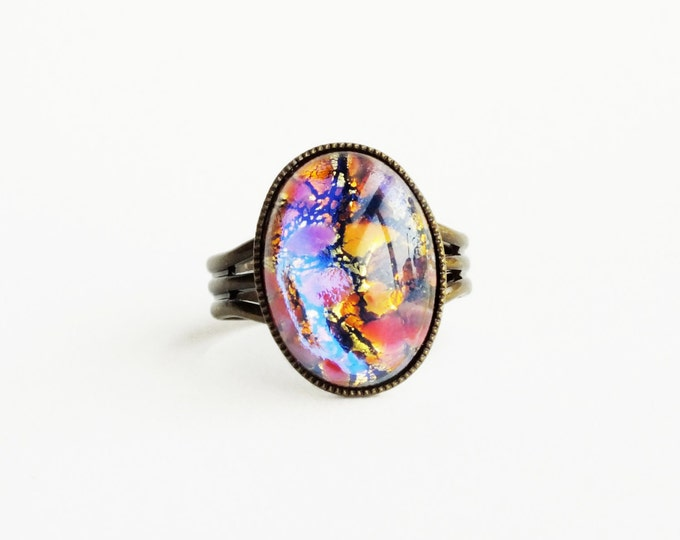 Pink Glass Opal Ring Vintage Iridescent Glass Harlequin Fire Opal Pink Gold Jewelry Statement Ring Women Gifts Glass Opal Jewelry
