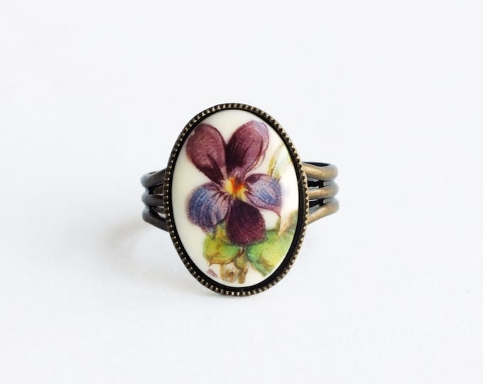 Purple Flower Ring Vintage Violet Pansy Jewelry Floral Cameo Ring Adjustable Antique Brass Ring Victorian Floral Jewelry