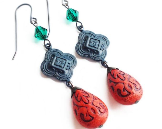 Victorian Dangle Earrings Vintage Rust Bead Earrings Antique Brass Earrings Quatrefoil Earrings Brick Red Green Victorian Jewelry