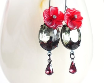 Gray Crystal Earrings Vintage Rhinestones Red Floral Earrings Grey Red Victorian Dangle Earrings Gray Bridal Wedding Jewellery