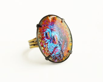 Large Iridescent Ring Vitrail Ring Rainbow Glass Ring Statement Cocktail Ring Black Brass Metal Iridescent Crystal Ring Rainbow