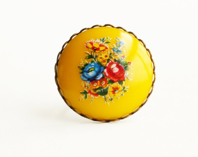 Yellow Flower Ring Large Vintage Retro Floral Cameo Ring Yellow Jewelry Chunky Statement Ring Colorful Jewelry