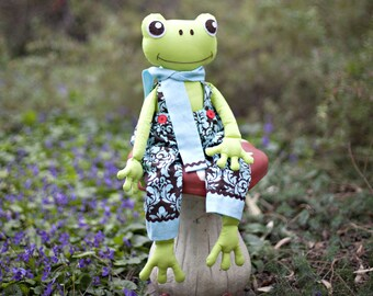 Frog Pattern. Stuffed Frog PDF Sewing Pattern. Fergus the Frog Softie Pattern. Instant Download Digital Pattern