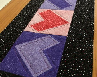 Hearts Quilted Table Runner, 28.5 x 11 inch, patchwork, anniversary gift, gift for her, love, Valentine's Day, pink, purple, black