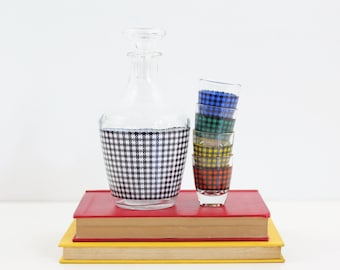 Mid Century Modern Houndstooth Shot Glasses & Decanter Set from France / Colorful Mid Century Barware / Vintage Plaid Shot Glasses