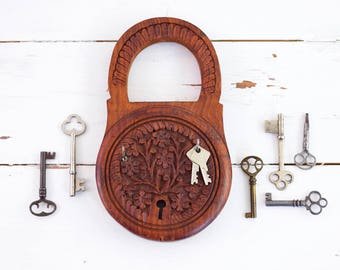 Vintage Carved Wood Key Rack / Boho Wood Key Holder / Carved Wood Key Hooks / Wall Organizer / Boho Home Decor