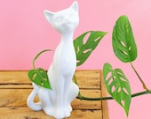 Mid Century Cat Figurine by OMC Japan / Vintage Cat Figurine / Vintage Siamese Cat Figurine / Mid Century Modern Siamese Cat