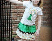 HURRY... Only 2 LEFT.....The Green Tree Outfit....baby...toddler...girls...6...12...18...24...2...3..4...5..6..7..8...9...10...11...12
