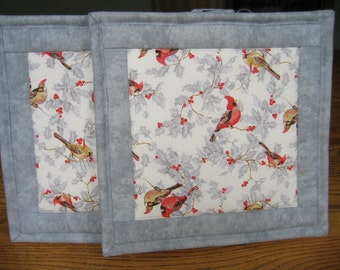 Quilted Pot Holders in a Cardinals with Glitter on Grey Pattern - Set of 2