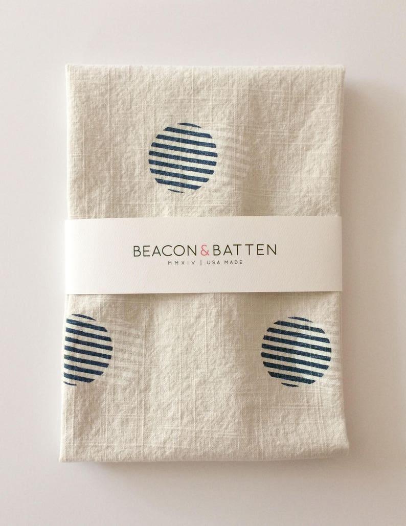Stripe Circle Towel : Natural Ivory Ground  Navy Blue/White image 0