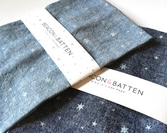 Scattered Stars Towel : Dark Chambray/White
