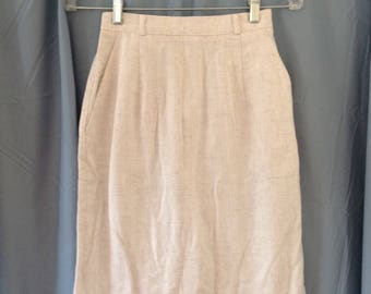 1980s Jaclyn Smith linen blend knee length pencil skirt, vintage size 6, modern size extra small, 24 inch waist