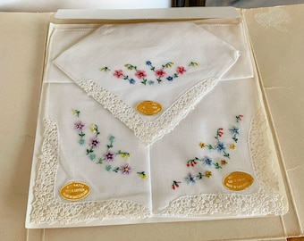 Vintage Boxed Imported Hankies Floral /& Lace set of 4 cotton handkerchief/'s Switzerland All original Rare find