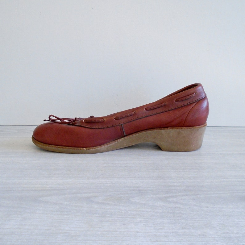 leather bass loafers sz 8 vintage 70s shoes vintage wedge heels gum sole shoes bass wedge loafers vintage loafers vintage bass shoes