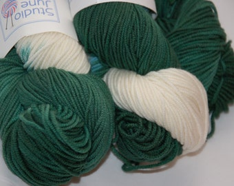 Studio June Yarn Springy Sport - Green/white