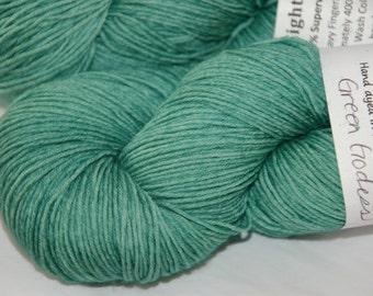 Studio June Yarn Eight Bells 8 Ply - 100% Superwash Merino Wool, Color:  Green Goddess