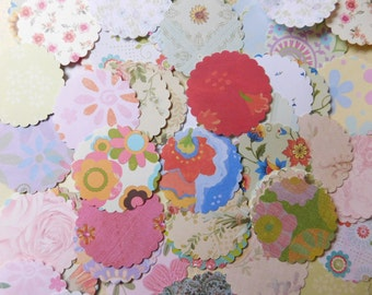 Fifty Scalloped Paper Posies - Flower Theme
