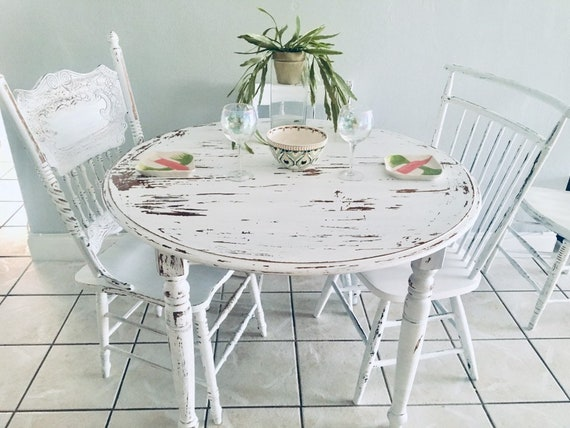 Vintage farmhouse ETHAN ALLEN cottage dining table farm table table display  table distressed chairs included 4 white mis match chairs