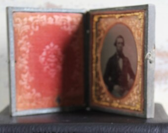 Antique Victorian Daguerreotype 19th Century Photograph Tintype Tooled Paper Book Frame Red Embossed Velvet Rose Gold Gilt Mount Frame