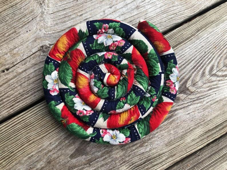 Trivets/handmade trivets/kitchen trivets/kitchen image 0