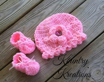 Baby Hat/ Newborn Baby Hat / GIRLS Hat/Newborn Hat/Photography Prop / HAT and BOOTIES Set (Ready to Ship)