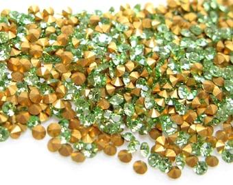 Loose Rhinestones VINTAGE Crystal RHINESTONES Machine-Cut Preciosa Chatons CZECH 13pp 6ss Round Peridot Optima Point Back Jewelry A1100 36pc