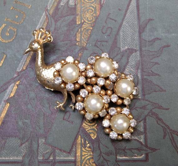 Vintage PEACOCK Brooch Pin 1940s Brooch Crystal P… - image 1