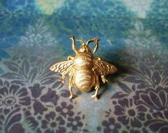 3218c8164332 Bumble Bee - Tiny Golden Brass Bumble Bee Brooch Lapel Pin or Tie Pin Tie  Tack with Gift Box