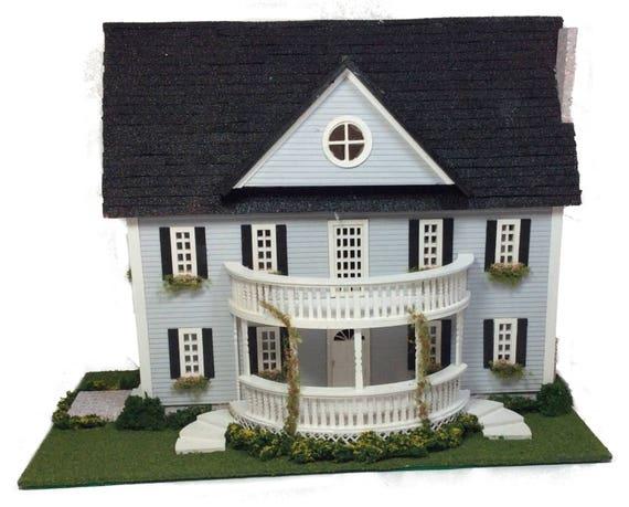 kit complet de maison de style colonial classique pour le. Black Bedroom Furniture Sets. Home Design Ideas
