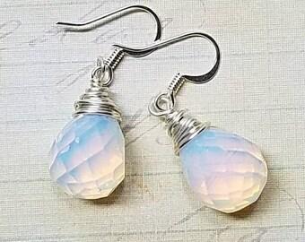 Raindrop Moonstone Earrings, teardrop earrings, dangle earrings, moon earrings, moonstone jewelry, bridesmaid gift, summer jewelry