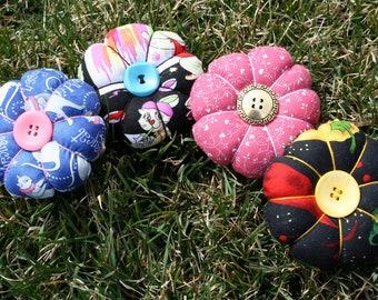 Round Daisy Pincushions, Pincushion Gift, Tomato Pincushion, Paper Weight