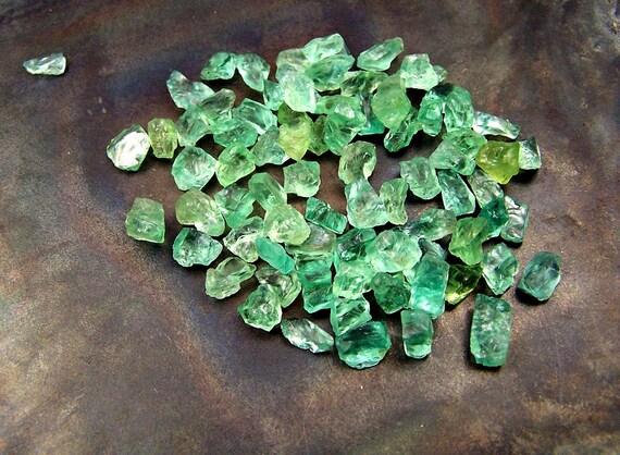 Grüner Apatit Draht natürlich gebildet Kristalle